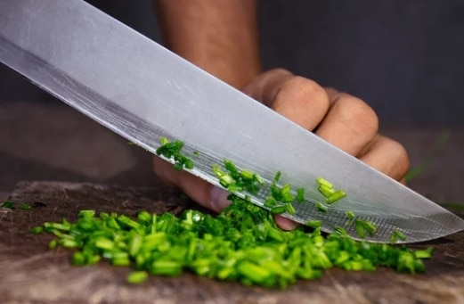 Why Vegetables Should Be Washed Before Cutting