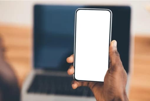 How To Protect Your Eyes From Phone Screen Glare
